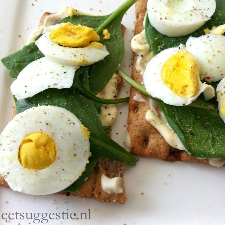 Vegetarisch ontbijtje met een eitje