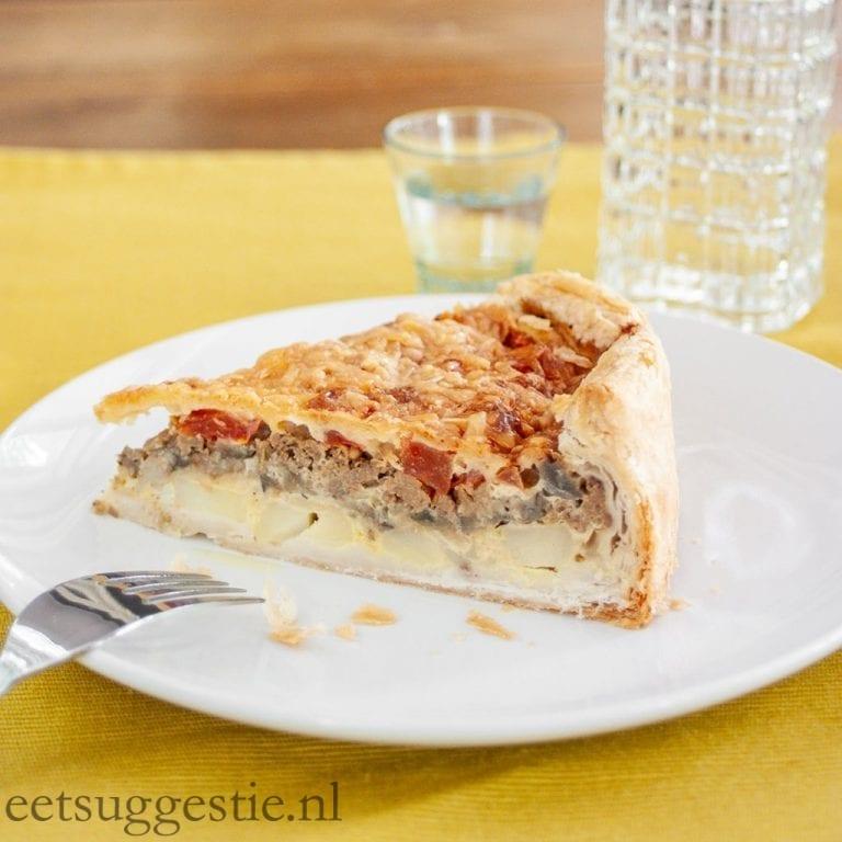 Hartige vegetarische taart met quorn gehakt en aubergine
